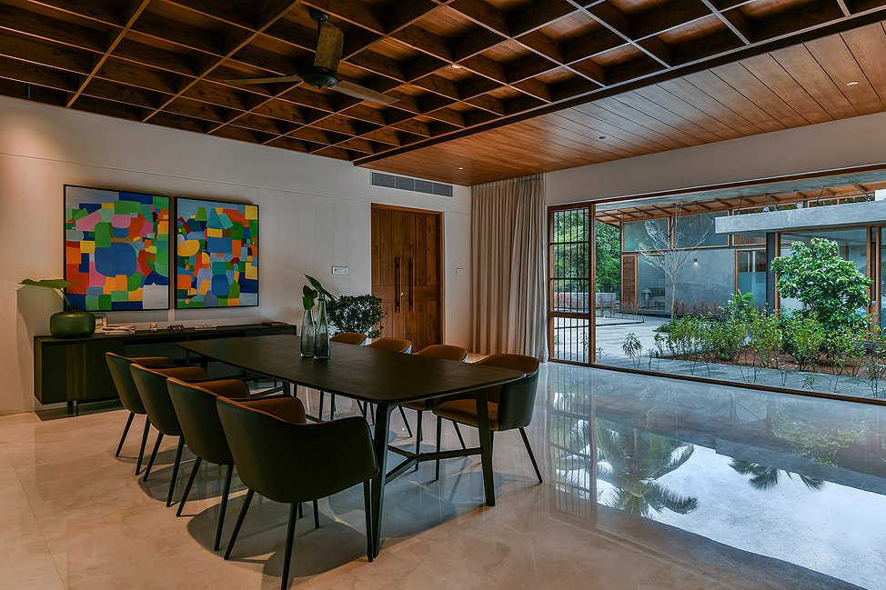 The Skew House : Dining Interior